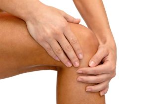 Durere de genunchi noaptea: Cauze si remedii