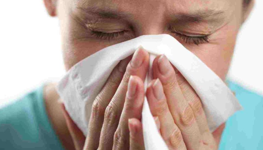 Raceala comuna (rinofaringita virala acuta) – Simptome, cauze, complicatii si tratament